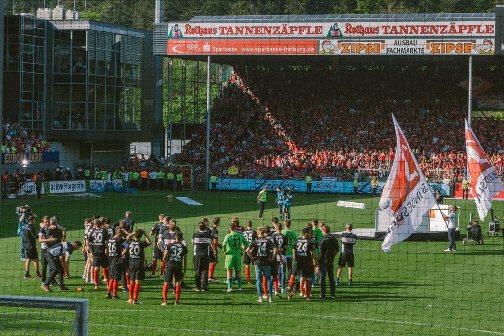 Christian Streich mit dem SC Freiburg nach dem Abpfiff